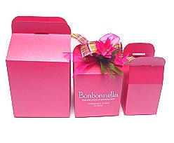 Cubebox handle middle 100x100x100mm candy with goldcarton