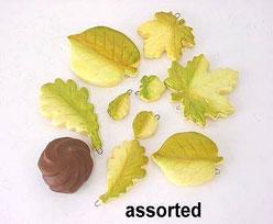 ceramic leaves assorted, cremegreen