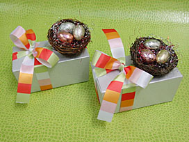 Metallic nest with 3 eggs / pick multicolor