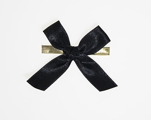 Bow ready made No 810 double face satin 15mm clipband 60mm black