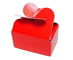 Box 2 choc butterfly closing red laque