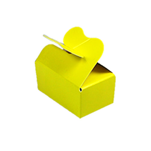 Box 2 choc butterfly closing yellow laque