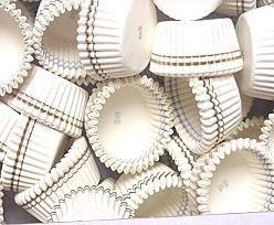 Papercups to put chocolates in white 1000 pcs in box