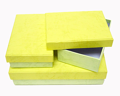 Paper boxes  rect set of 3 / 1 large/ 2 smaller/ yellowgreen