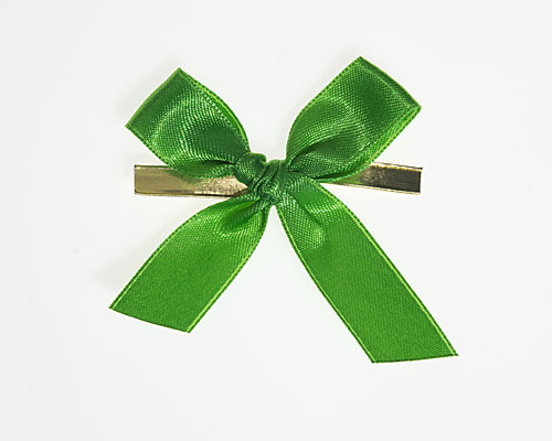 Bow ready made No 605 double face satin 15mm clipband 60mm apple