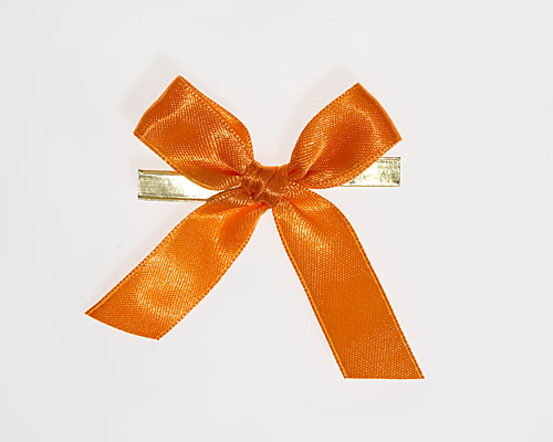 Bow ready made No 108 double face satin 15mm clipband 60mm orange