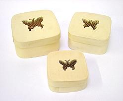 Box wood set of 3, price per set, design butterfly